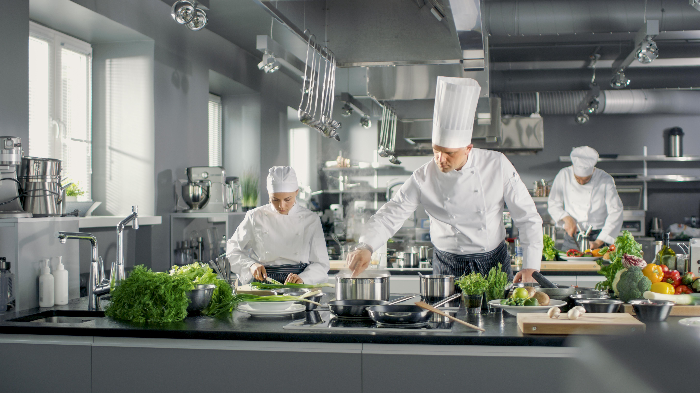 Ravintolakoneet ja -laitteet